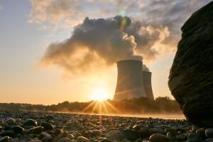 Когда заработал первый на Земле урановый реактор?