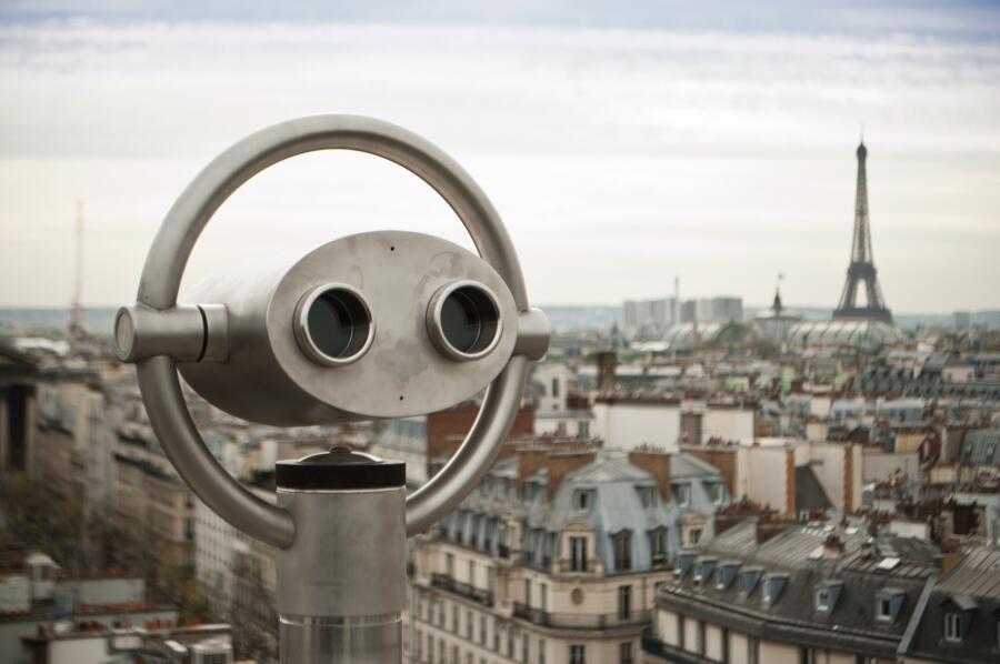 Как можно изучать Латинский квартал в Париже? Квест, дождь и глиняный петух. Часть 1