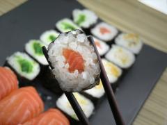 В переводе с японского слово «суши» означает - «уксусный рис».