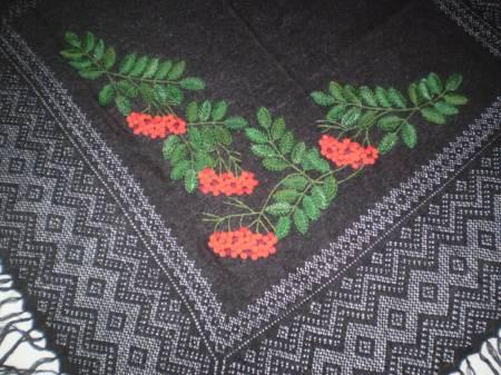 Пуховые платки только для пожилых?  10 мифов об оренбургском платке!