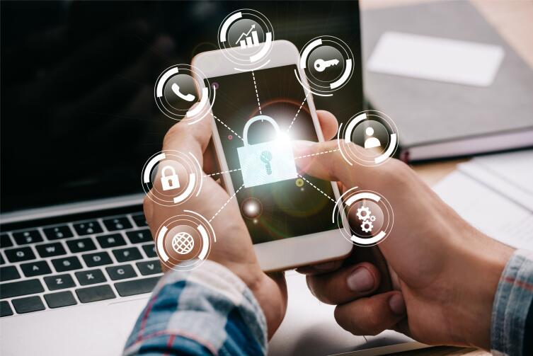 Как воруют наши деньги через Wi-Fi в местах с бесплатным выходом в Интернет?