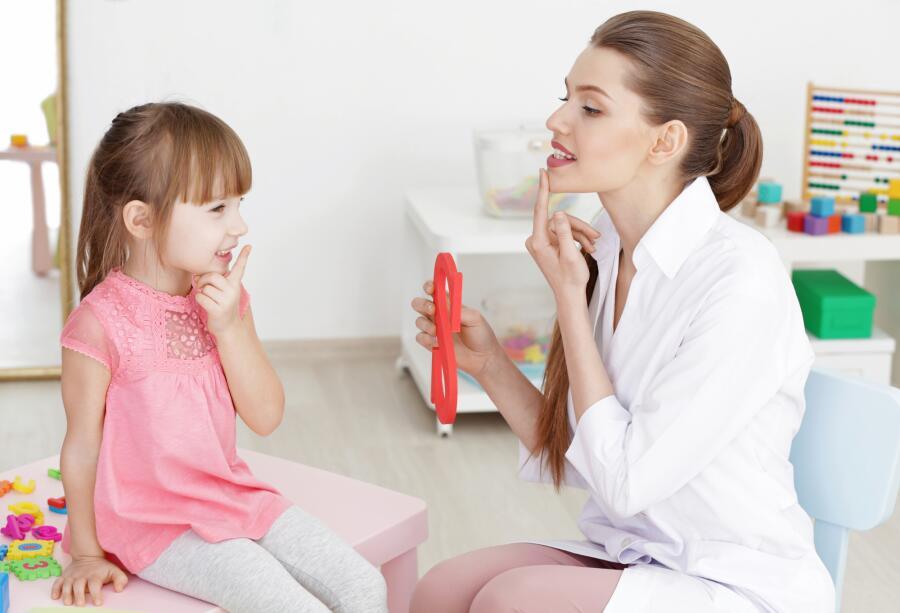Как научить ребенка говорить правильно? Домашние логопедические занятия