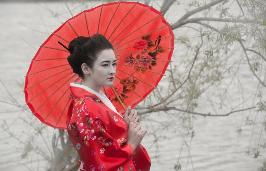 Как научиться искусству соблазнения мужчины? Уроки гейши