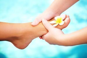 Поможет ли массаж против отеков ног?