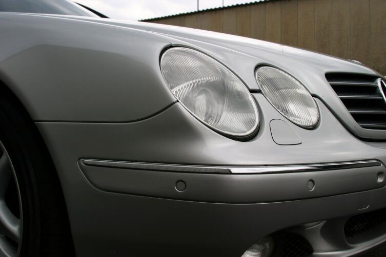Датчики парковки на бампере автомобиля