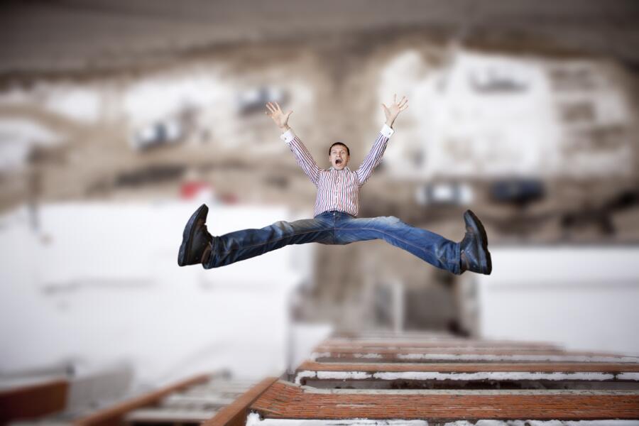 Страшно ли прыгать со второго этажа без парашюта? Юмористическое эссе