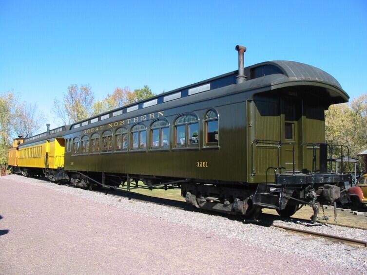 Пассажирский вагон в Mid-Continent Railway Museum, Висконсин