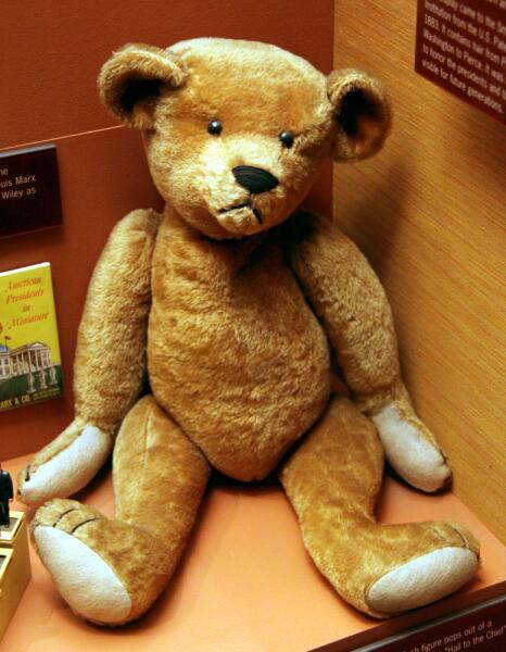 Teddy bear. Назван в честь Теодора Рузвельта.