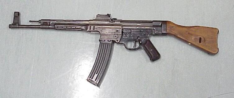 Штурмовая винтовка «Штурмгевер» StG 44