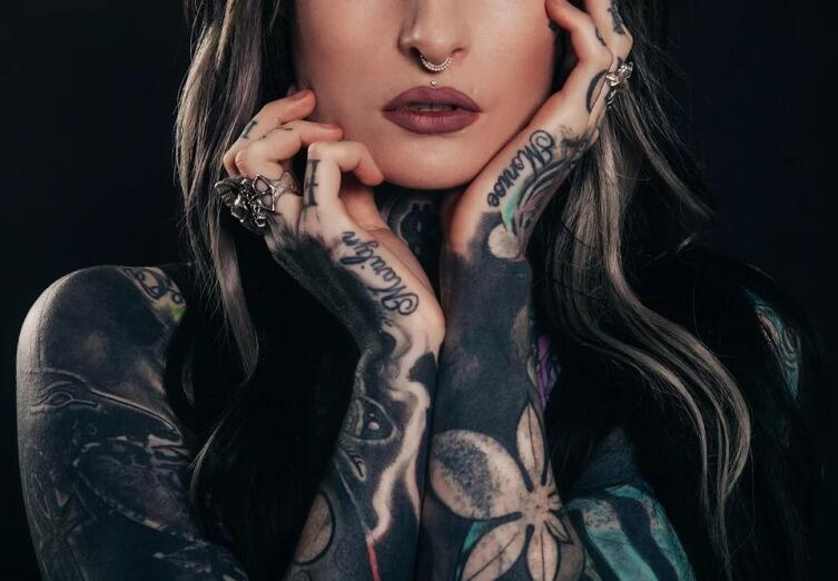 Мода на татуировки: что об этом думают психологи и что говорит медицина?