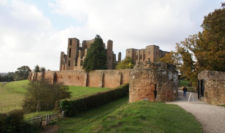 Замок Кенилуэрт
