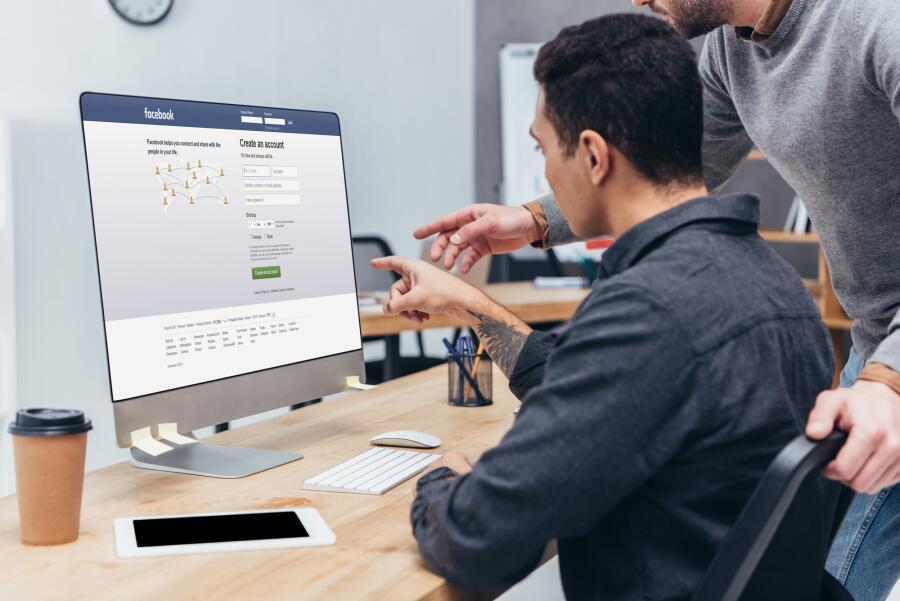 Как взаимодействуют бизнес и социальные сети?
