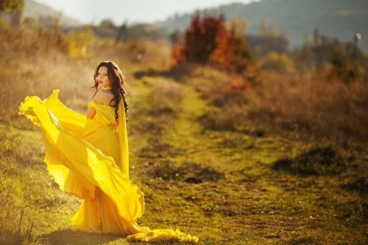 Каких цветов должны быть ваши платья?
