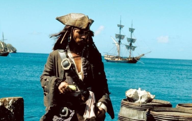 Кадр из к/ф «Пираты Карибского моря: Проклятие Черной жемчужины», 2003 г.