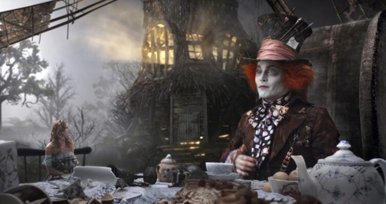 Кадр из к/ф «Алиса в стране чудес», 2010 г.