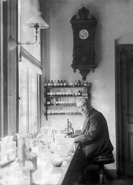 Мартин Бейерлинк в лаборатории