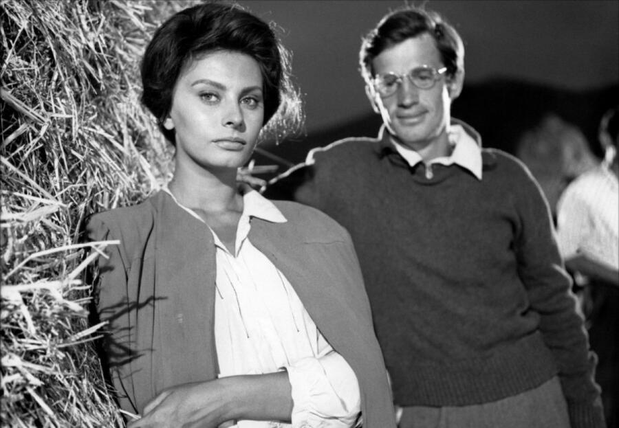 Софи Лорен и Жан-Поль Бельмондо. Кадр из к/ф «Чочара», 1960 г.