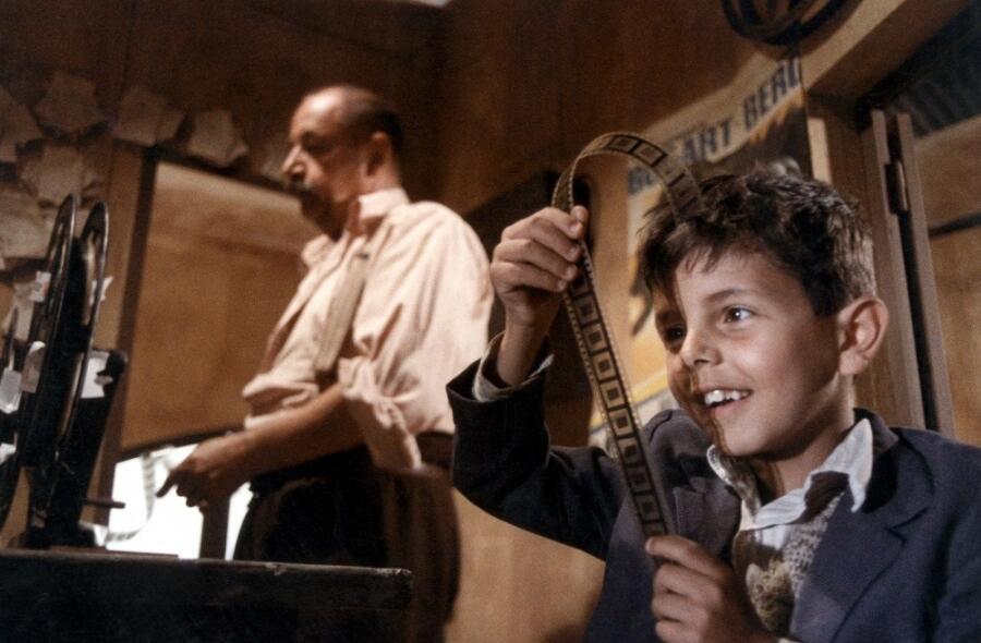 Кадр из к/ф «Новый кинотеатр «Парадизо»», 1988 г.