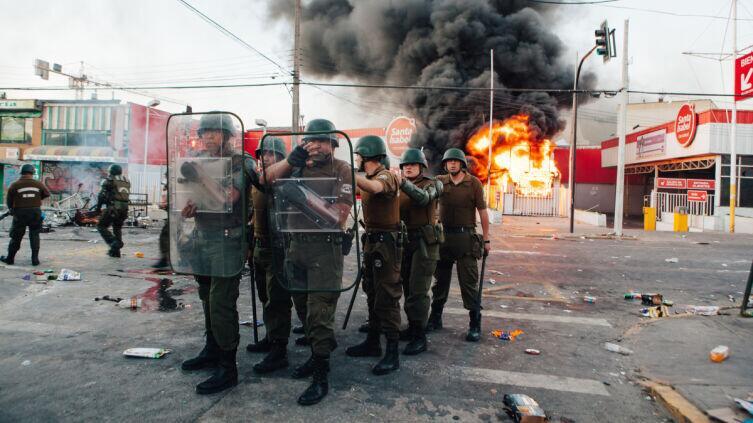 Отсутствие согласия в гражданском обществе приводит к массовым беспорядкам