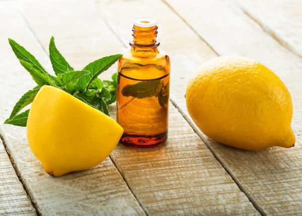 Для чего нужно эфирное масло лимона?