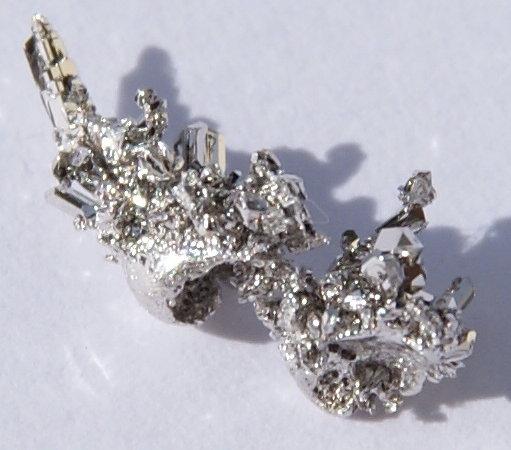 Серебристо-белый мягкий вязкий ковкий металл Палладий