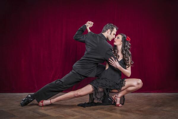 11 декабря - Международный день танго. Как забугорный танец прорвался в Советский Союз?
