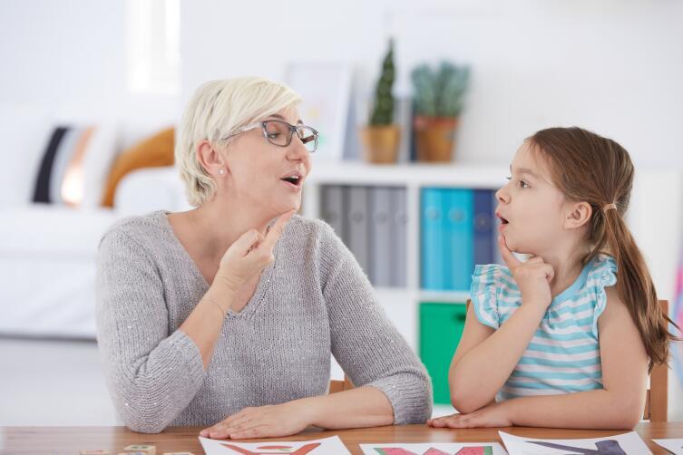 Развитие речи ребенка. Когда обращаться за помощью к логопеду?