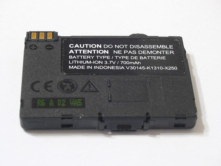 Литий-ионный аккумулятор для сотового телефона.
