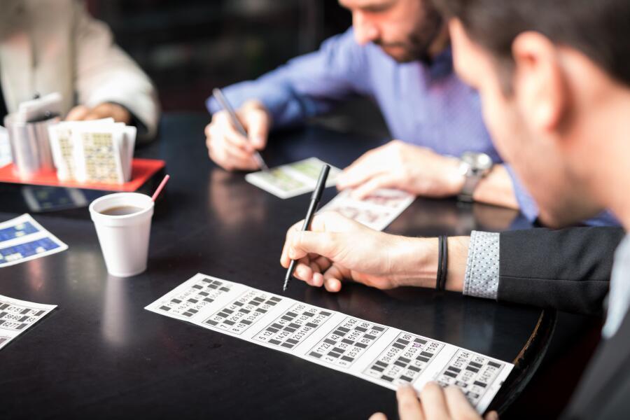 Как выигрывают в лотерею? Случайные неслучайности