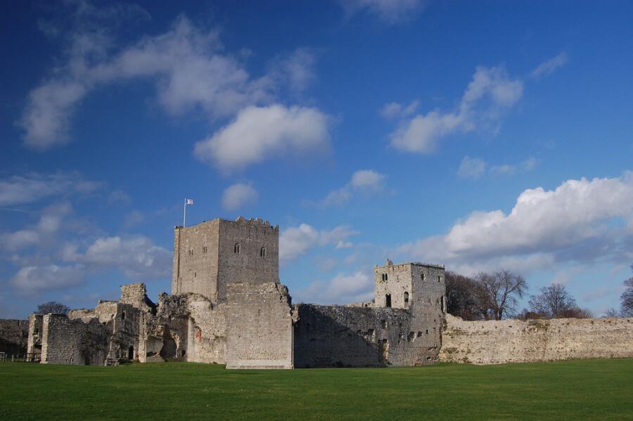 Замок Портчестер
