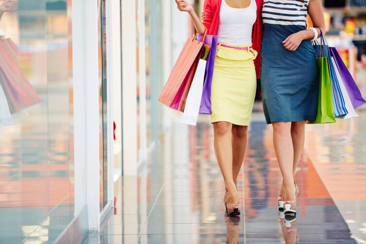 Как одеваться даме в возрасте? Элегантность и яркие цвета в гардеробе