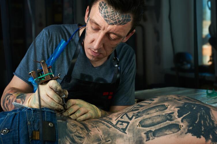 Стоит ли делать татуировку? Взвешенный подход к нательной живописи