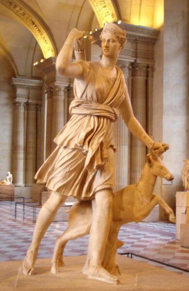 Скульптура Дианы Версальской