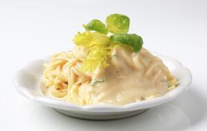 Можно ли приготовить низкокалорийный соус «бешамель»?