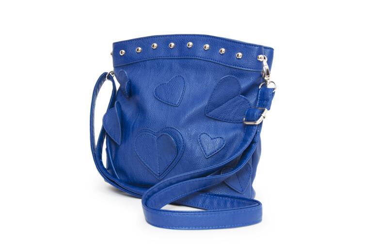 Что может рассказать окружающим о своей обладательнице дамская сумочка?