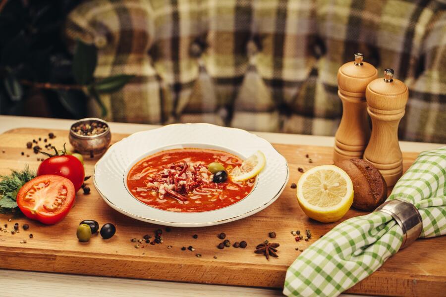Как приготовить настоящую мясную солянку? Семь секретов совершенного блюда