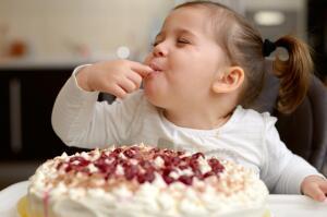 Как декорировать торт для ребенка?