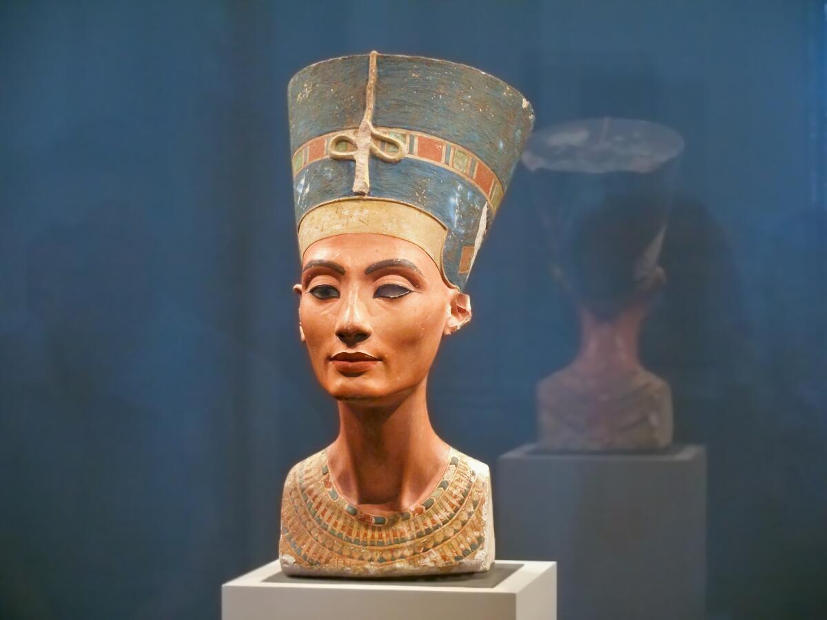 Каким был идеал женской красоты в Древнем Египте и на Крите?