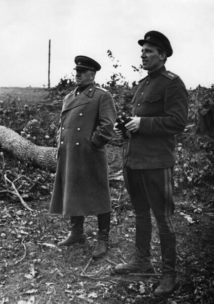 Г. К. Жуков и А. Е. Голованов. Брянский фронт, июль 1943 г.