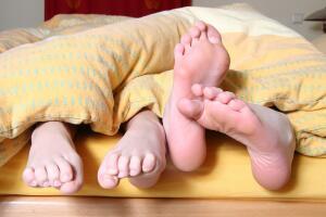 Почему не обязательно гладить постельное белье?