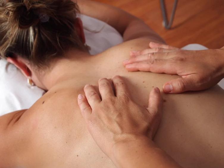 Поможет ли массаж от кашля?