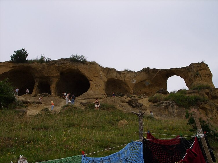 Эоловы гроты в горе Кольцо близ Кисловодска