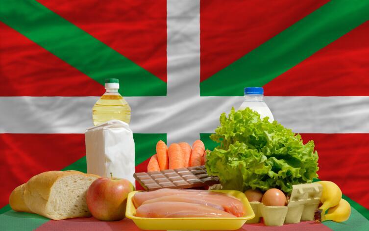 Флаг басков на фоне национальных продуктов