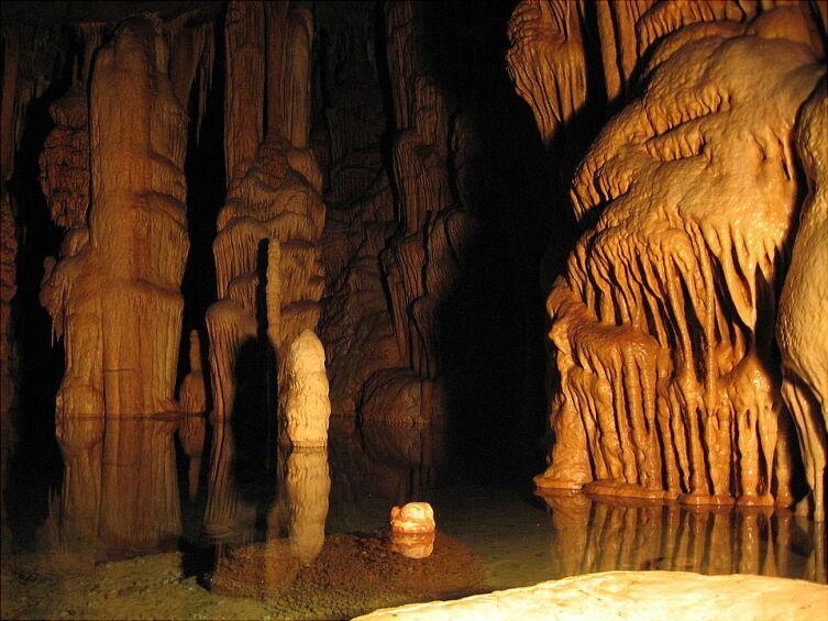 Известковые натеки пещеры Катерлох, Австрия