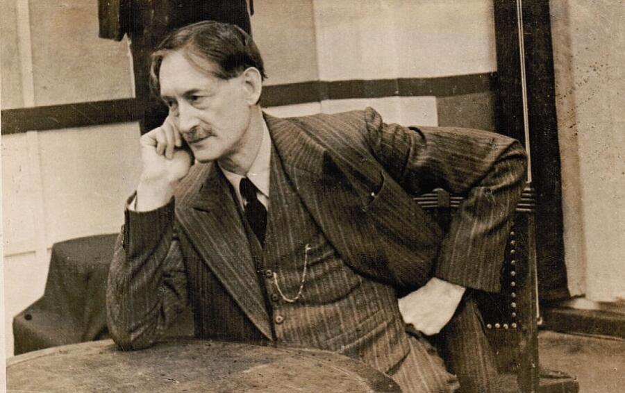 Анри Барбюс в студии Всесоюзного радиокомитета. Москва, 1935 г.