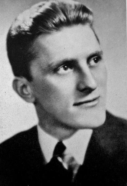 Кирк Дуглас в 1939 г.