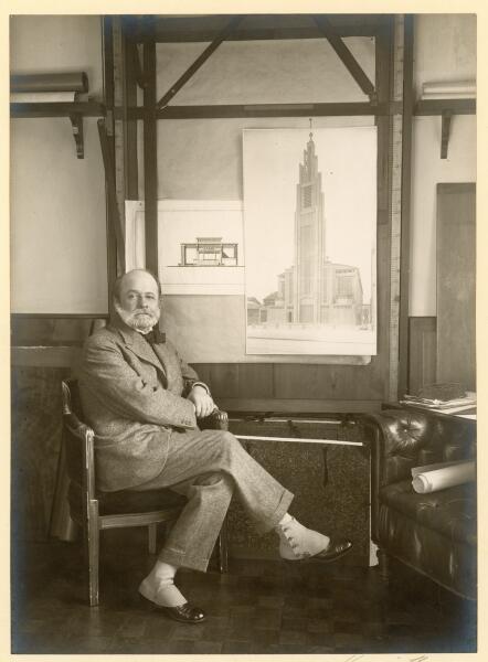Огюст Перре, 1925 г.