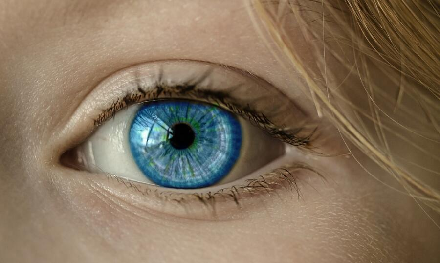 Какое зрение должно быть у детей и подростков?