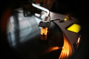 Что такое музыкальный стриминговый сервис и нужен ли он вам? Независимый обзор