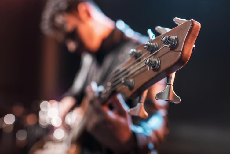 Как выбрать музыкальный стриминговый сервис? Функции, качество, цена